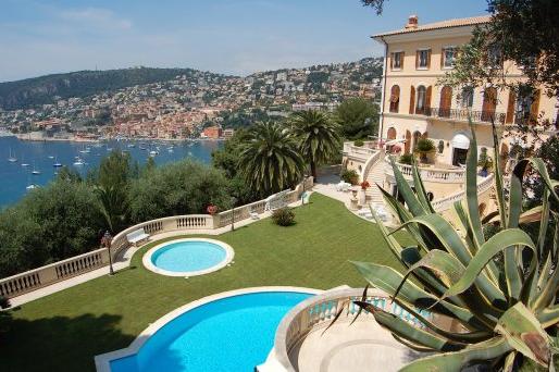 Villa au bord de la Côte d'Azur
