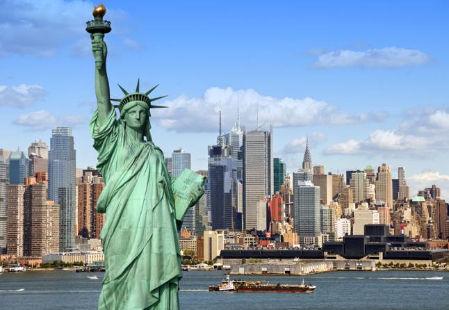 Conduire sur les ponts de New York - Statue de la Liberte