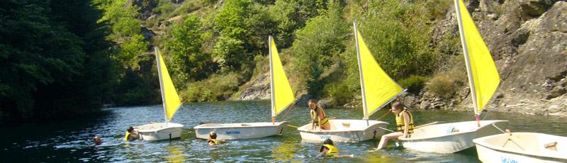 Activité de plein air dans un camp de vacances