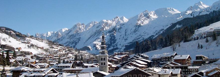 Skier A La Clusaz