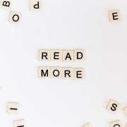 Journée mondiale du livre : les Français premiers en Europe pour leurs heures de lecture